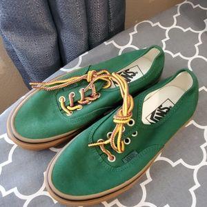 Vans NWOT Boys size 3.5 💚💚